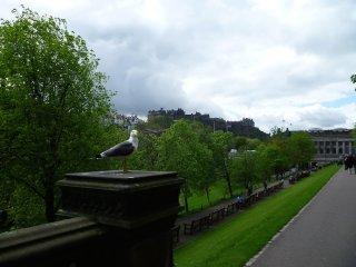Blížíme se k Edinburgskému hradu